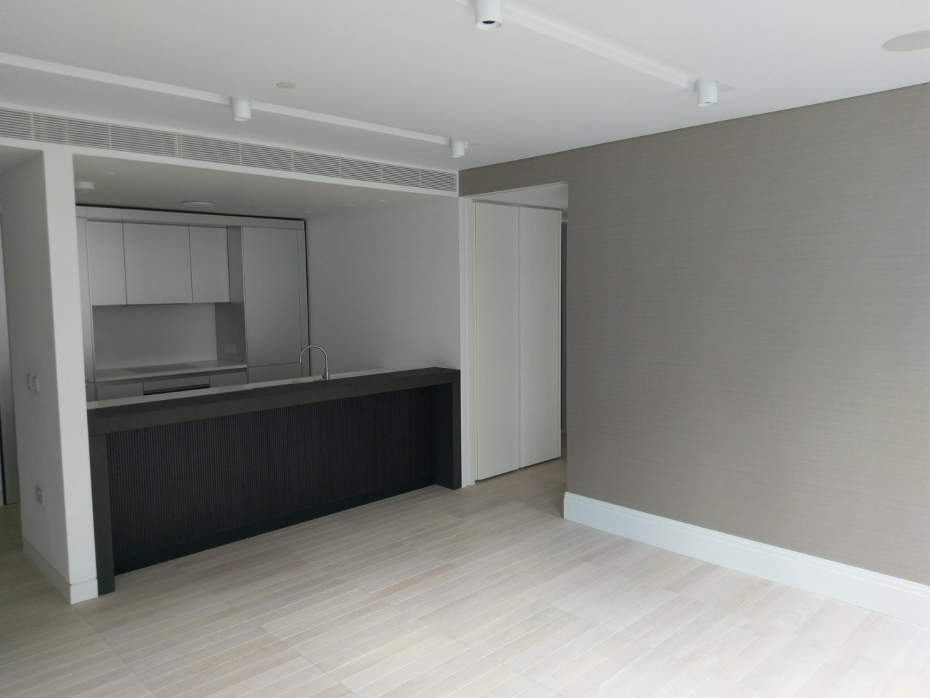 mayfair - 3  two bedroom flats  wallcovering /painting